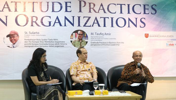 """Universitas Bakrie Menyelenggarakan Seminar dan Bedah Buku Bersama St. Sularto: """"Gratitude Practices in Organizations"""""""