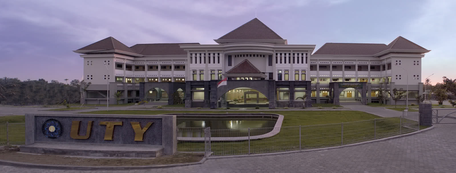 Program Studi Magister Universitas Teknologi Yogyakarta (UTY)