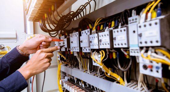 Kelas Karyawan Lanjutan (Ekstensi) D3 ke S1 Teknik Elektro di Medan